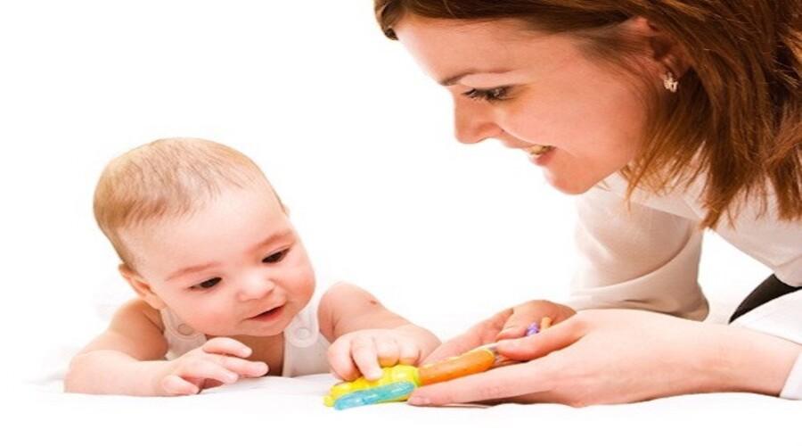Comment jouer avec un bébé d'un an ?