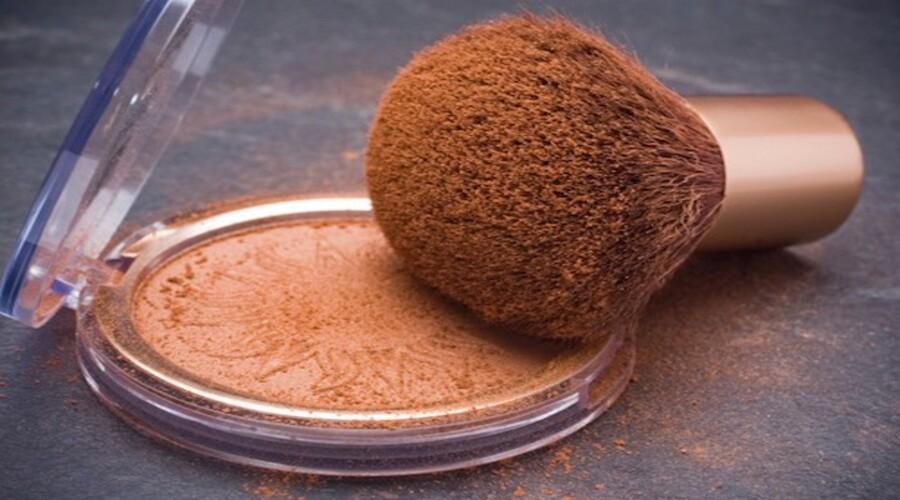Préparez vous-même votre poudre bronzante naturelle