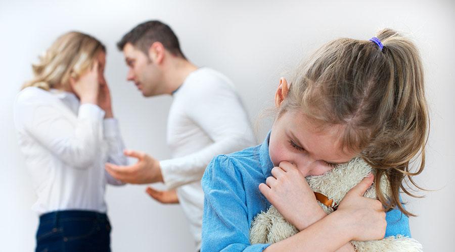 les sujets de dispute des futurs parents .