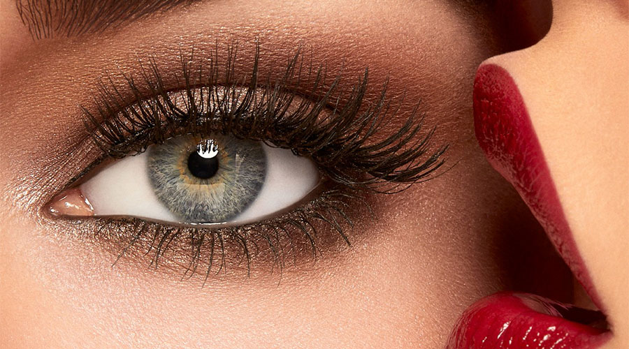 Maquillage des yeux: look Bloody Mary
