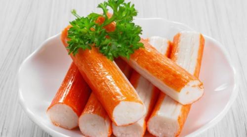 Enceinte, peut-on manger du surimi (et autres recettes de la mer) ?