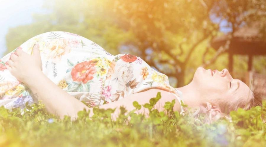 Canicule et grossesse : on mange quoi pour mieux supporter la chaleur ?